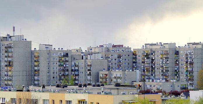 Jakie okna do mieszkania w bloku?