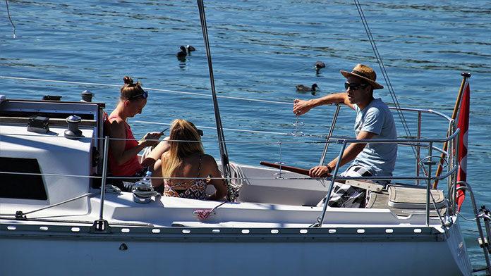 Czy warto wysłać dziecko na obóz żeglarski?