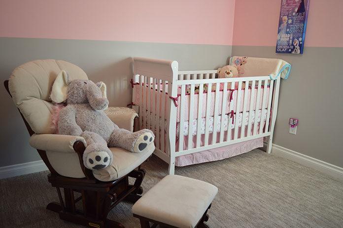 Jak zadbać o bezpieczny sen dziecka?